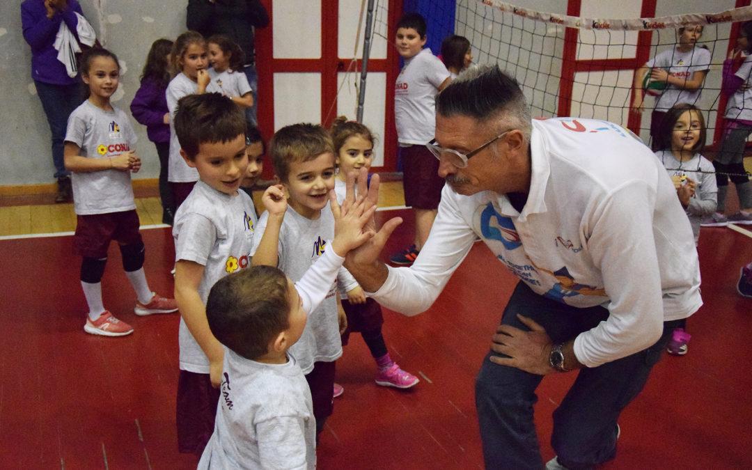 """Lucchetta gioca con i bambini della Volley Team Monterotondo: """"Una società splendida"""""""