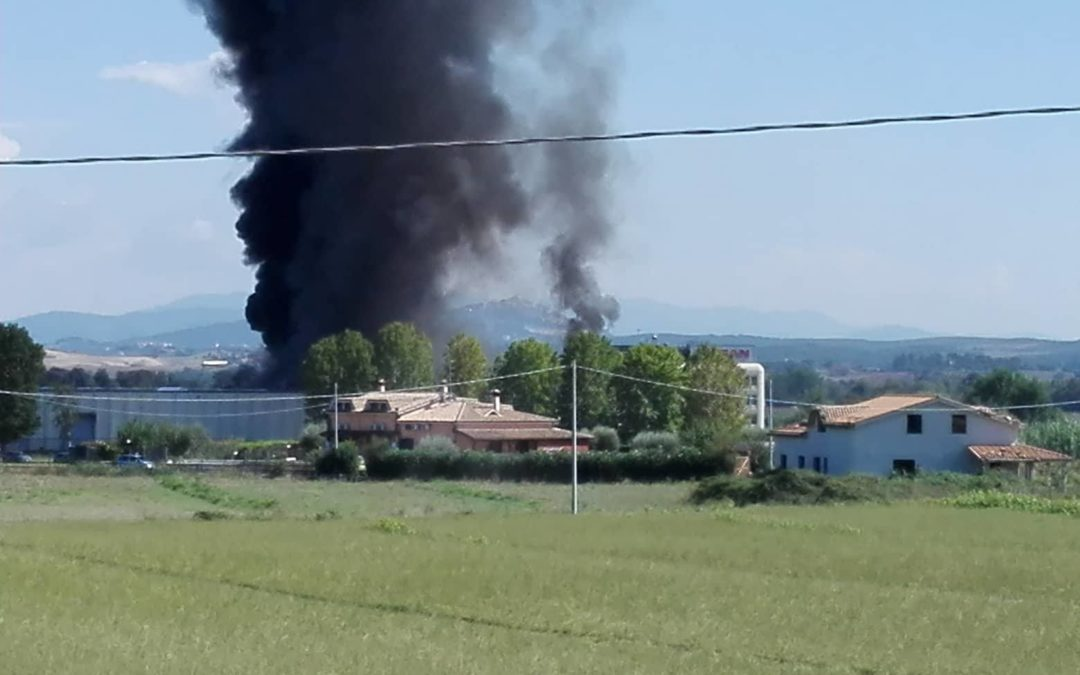 CAPENA – Incendio alla NISSAN (FOTO & VIDEO)