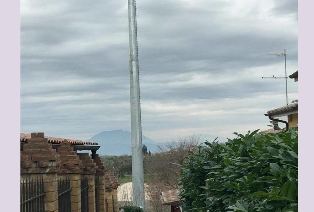BORGO QUINZIO / Torna l'incubo dell'antenna TIM: montati ripetitori