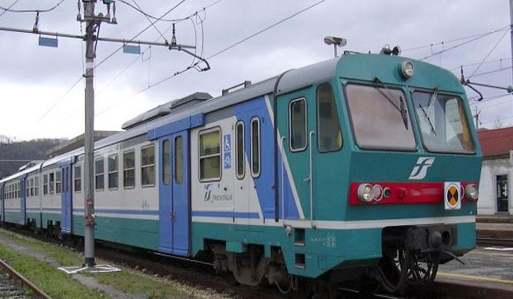 Si masturba davanti a ragazza sul treno Rieti-Terni: multa di 10mila euro